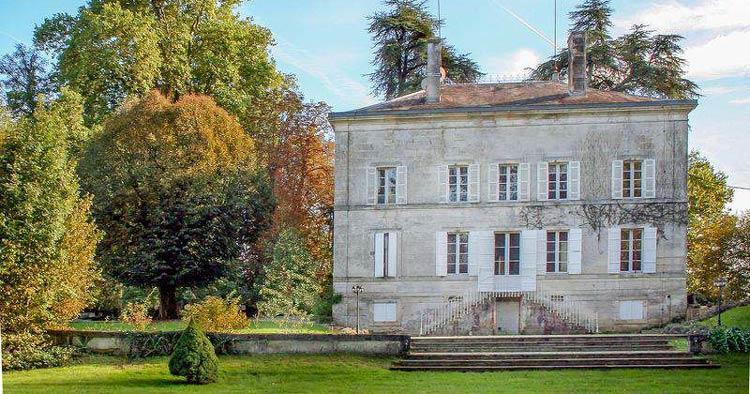 petit chateau (manor) chateau-St-Pierre-de-Cole-Dordogne-Aquitaine