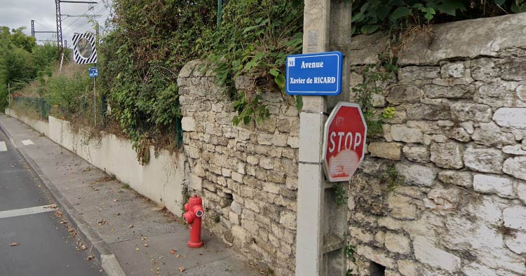 stop sign I saw in Montpellier