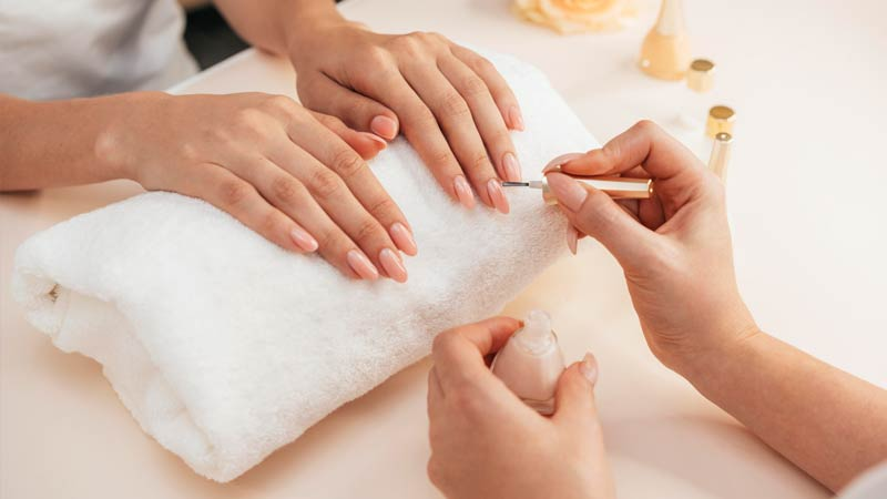 Tipping in France: health, beauty: manicure