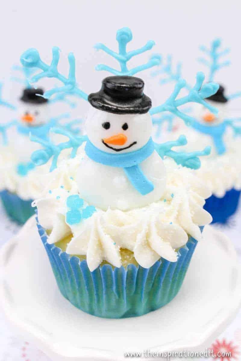 snowflake cupcakes for christmas