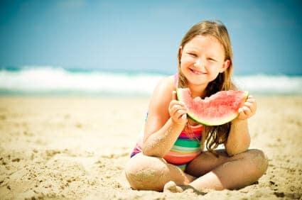 Alimentazione estiva: cosa mangiare al mare?