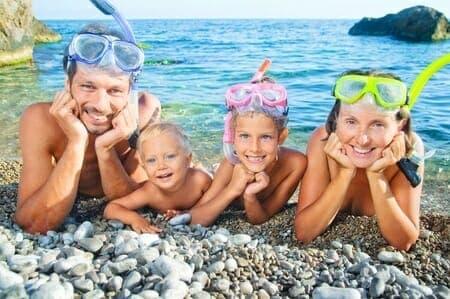 Alimentazione estiva: decalogo per mangiar sano in spiaggia