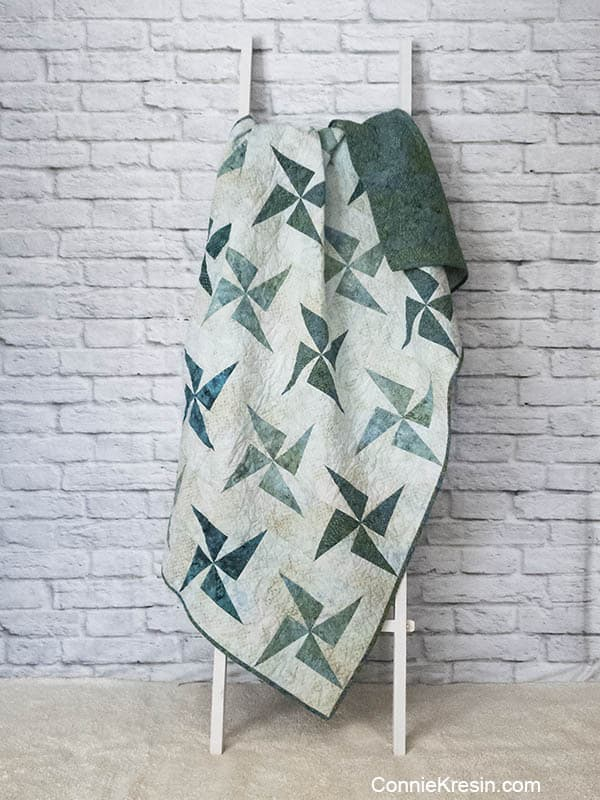Quilt Photography Backdrop DIY for Twirling windmills quilt free pattern