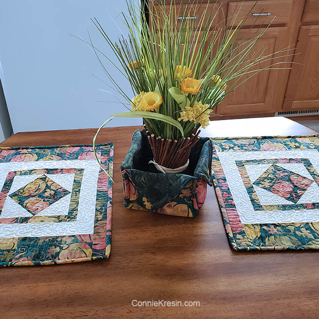 Square in a square quilt block tutorial for kitchen