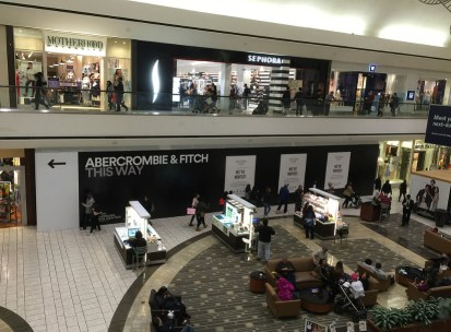 Abercrombie and fitch shopping mall