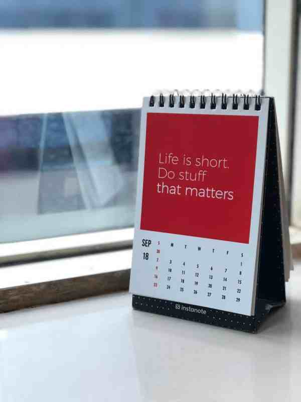 Calendar with goal setting quote