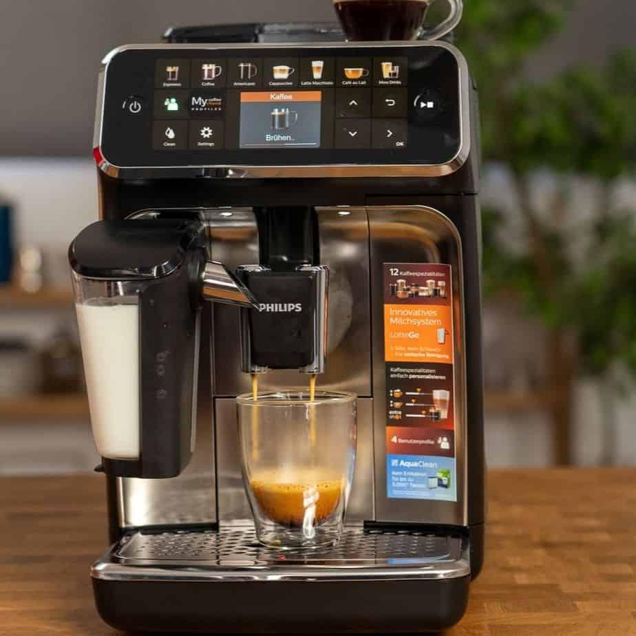 Philips EP5447 90 LatteGo Kaffeevollautomat Farbdisplay