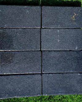 Black Limestone Tumbled Cobbles – 200x100x40mm – 10m2 pack
