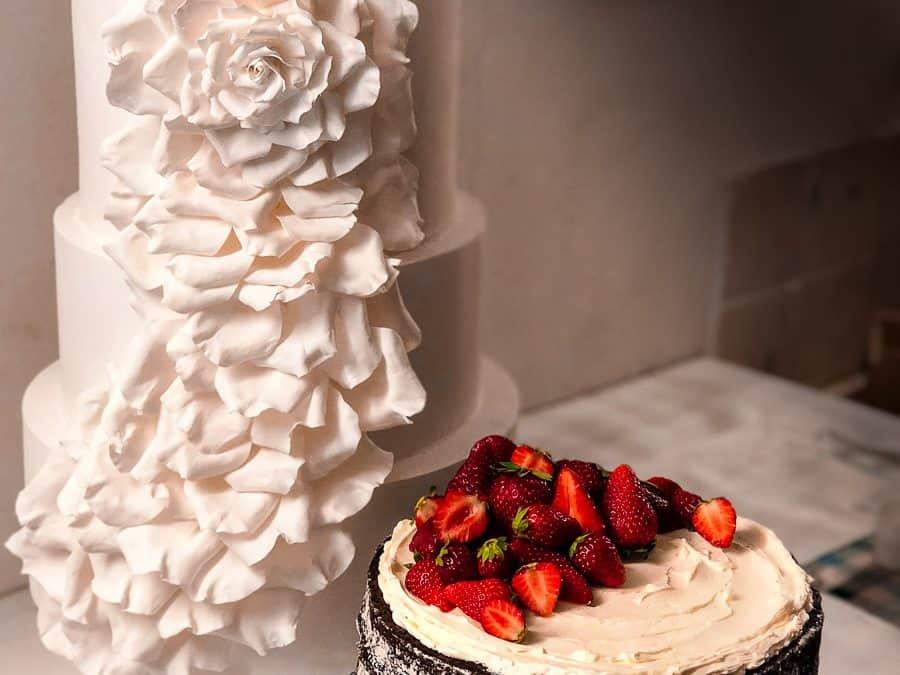Classic White Wedding Cake, Borgo Finocchieto