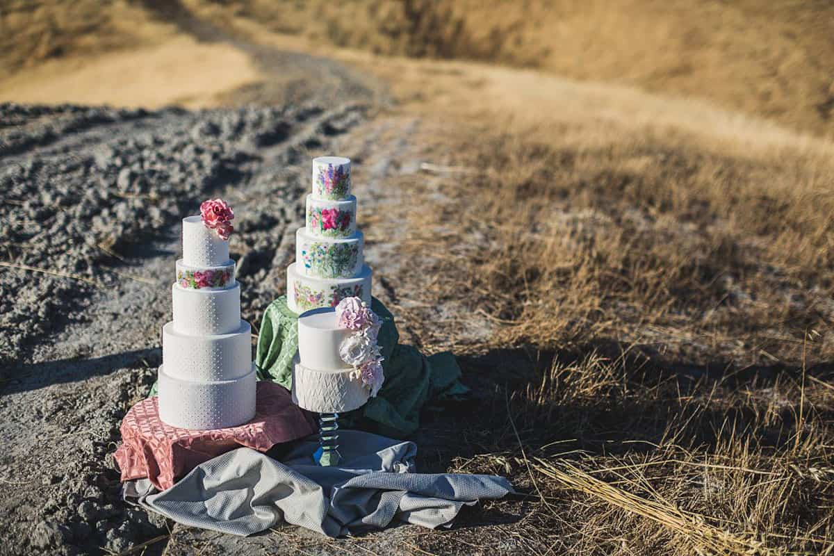 Photos of Painted Wedding Cakes in Tuscany , Italy