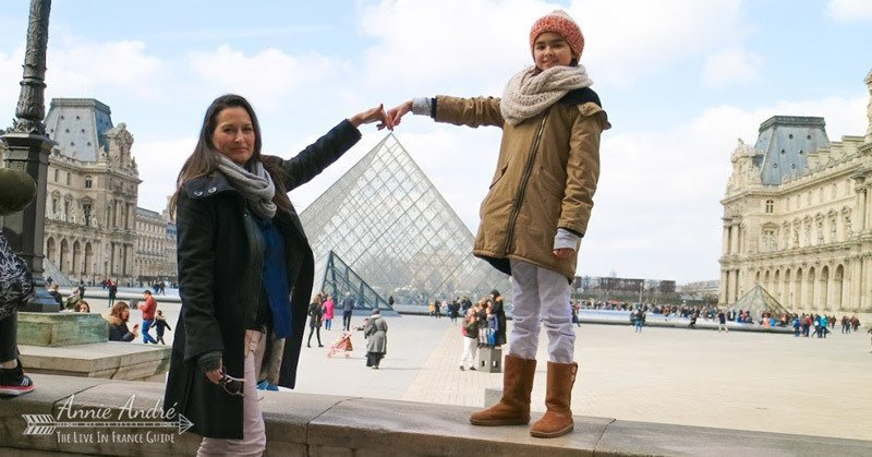 Expectations vs Reality: What people think I do photo: cliche photo touching the pyramid at the Louvre