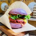 The Amaze Burger v Hoferju Organic Garden The Amaze Burger2