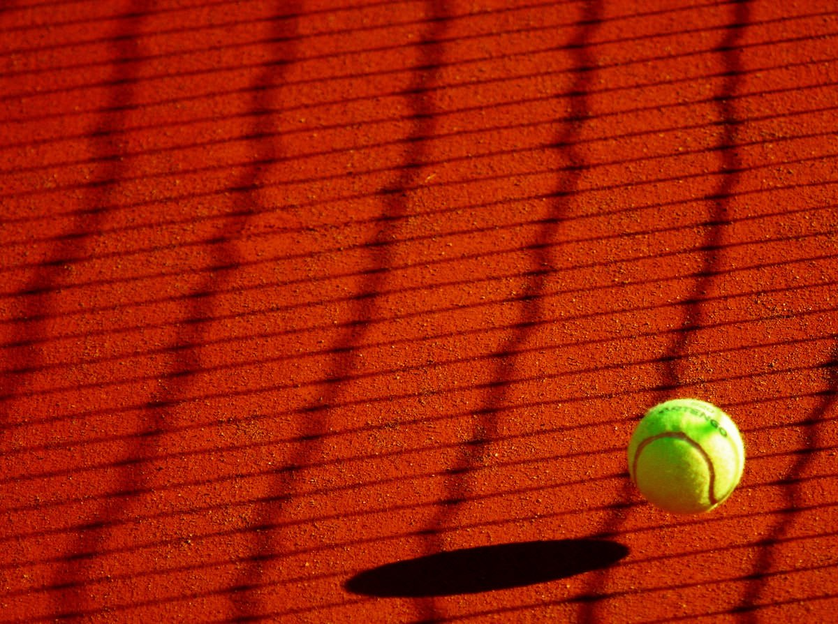 Od danes lahko igrate tenis na teniskih igriscih vendar preverite dolocila ki se jih morate drzati