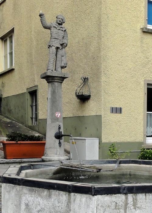 Laufenburg Brunnen 700