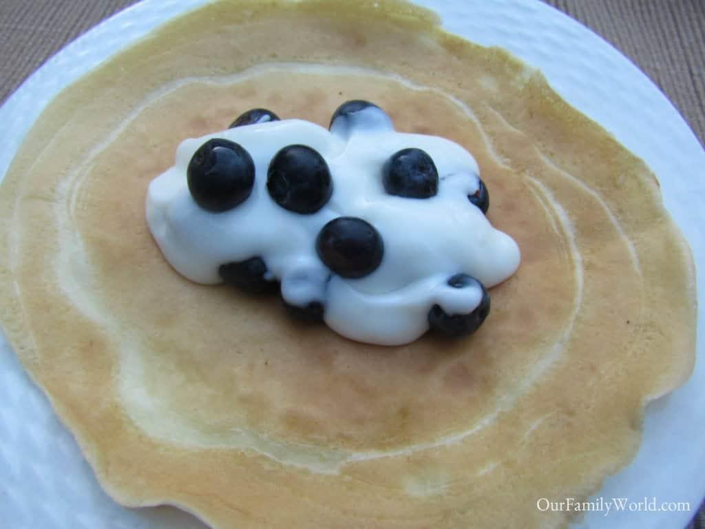 crepe-blueberry-easy-breakfast-recipe-for-kids