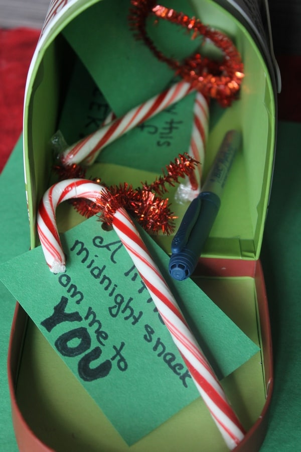 Ready to spread some holiday cheer? It's easy! during BIC's Month of Merry Marking. We'll tell you how to turn a midnight stroll into an opportunity to spread joy in this fun Christmas craft!
