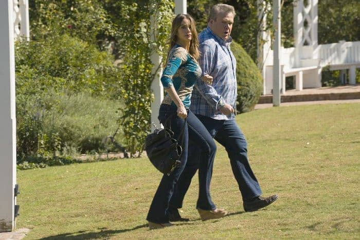 """Did you miss last night's Modern Family Season 7 Episode 11 episode? Get caught up with our recap of """"Spread Your Wings!"""""""
