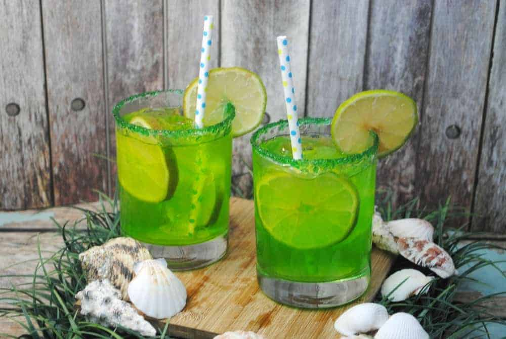 Looking for summer drinks for kids? Try our mermaid punch mocktails for kids! They're delicious nonalcoholic drinks that are perfect for parties too!