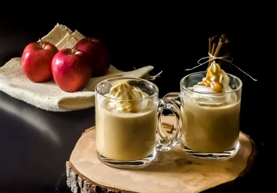 Warm up on cold fall nights with this delicious Salted Caramel Apple Cider recipe! It's SOOO delicious (and totally non-alcoholic!)! Perfect for all your winter parties too!