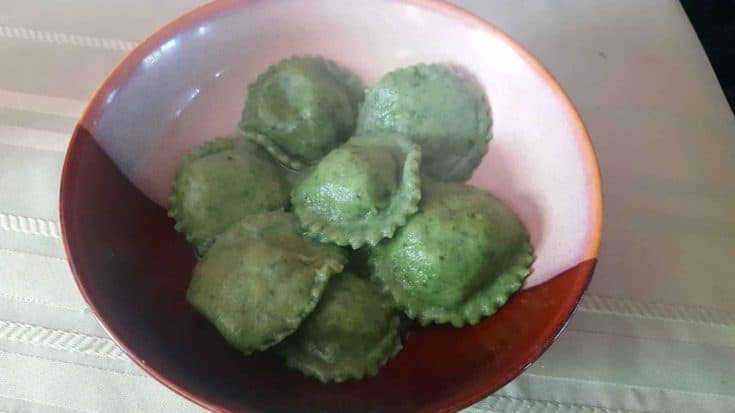 Spinach and Cheese Ravioli (it's green!)