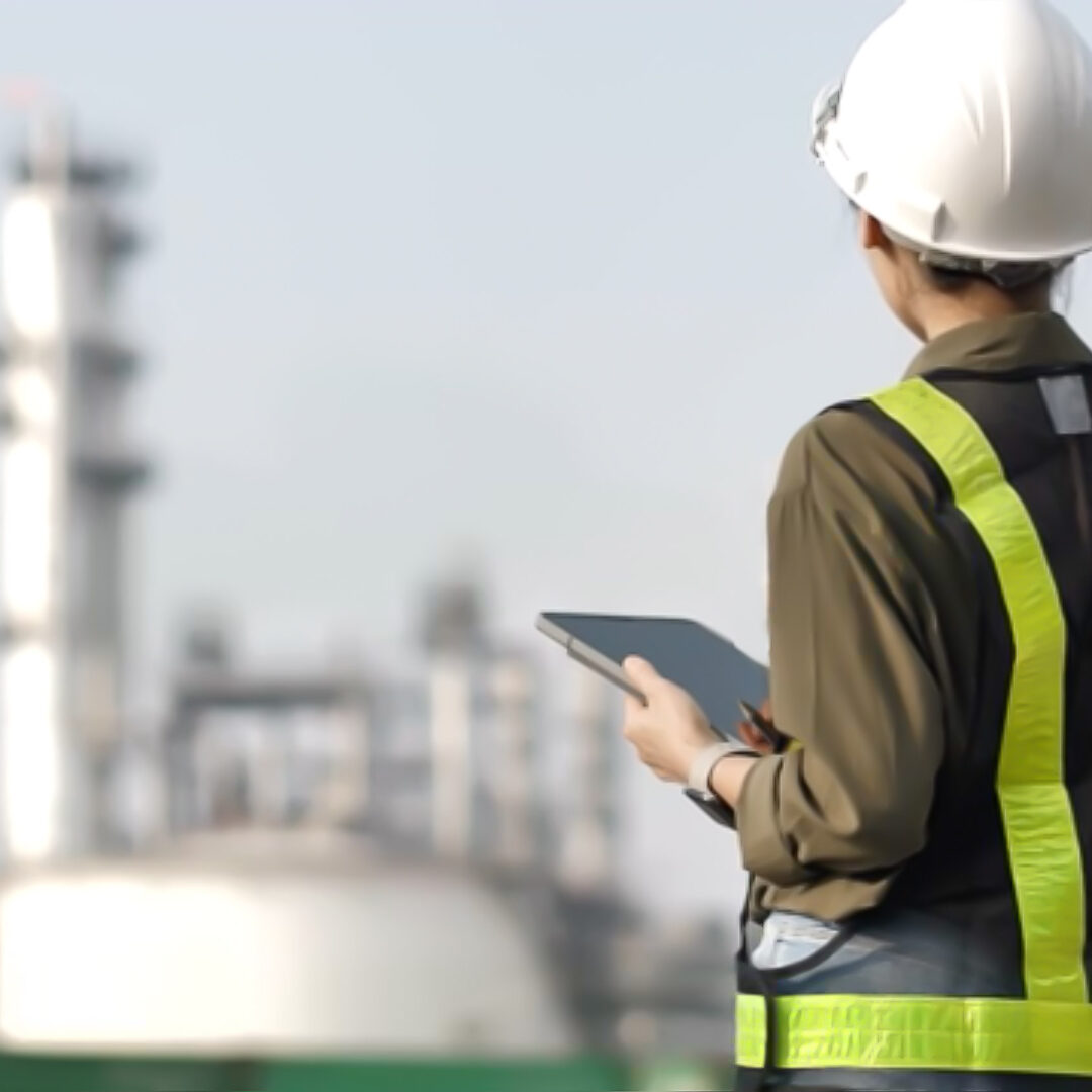 How Edge AI Enables Automatic Debriefing on Mobile Devices in Low Connectivity Areas [Gas Pipeline Maintenance]