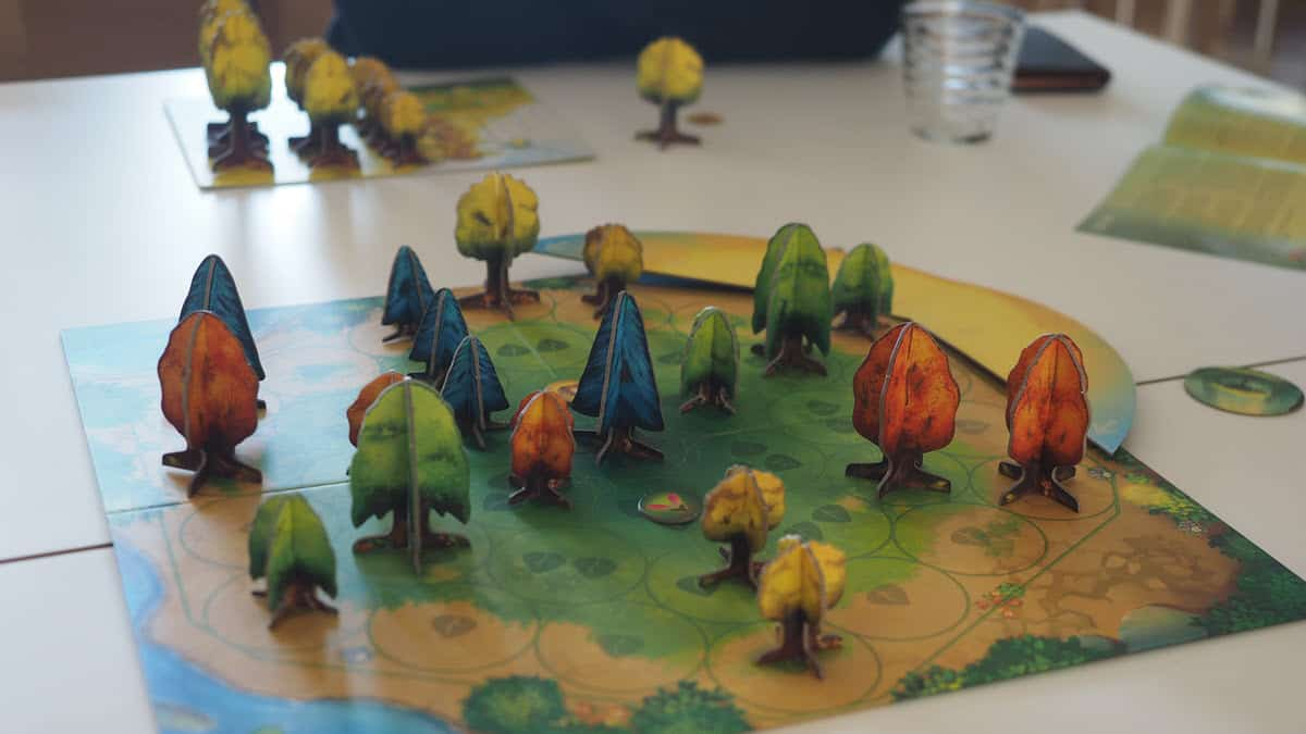 Photosynthesis - one of the best board games for new gamers