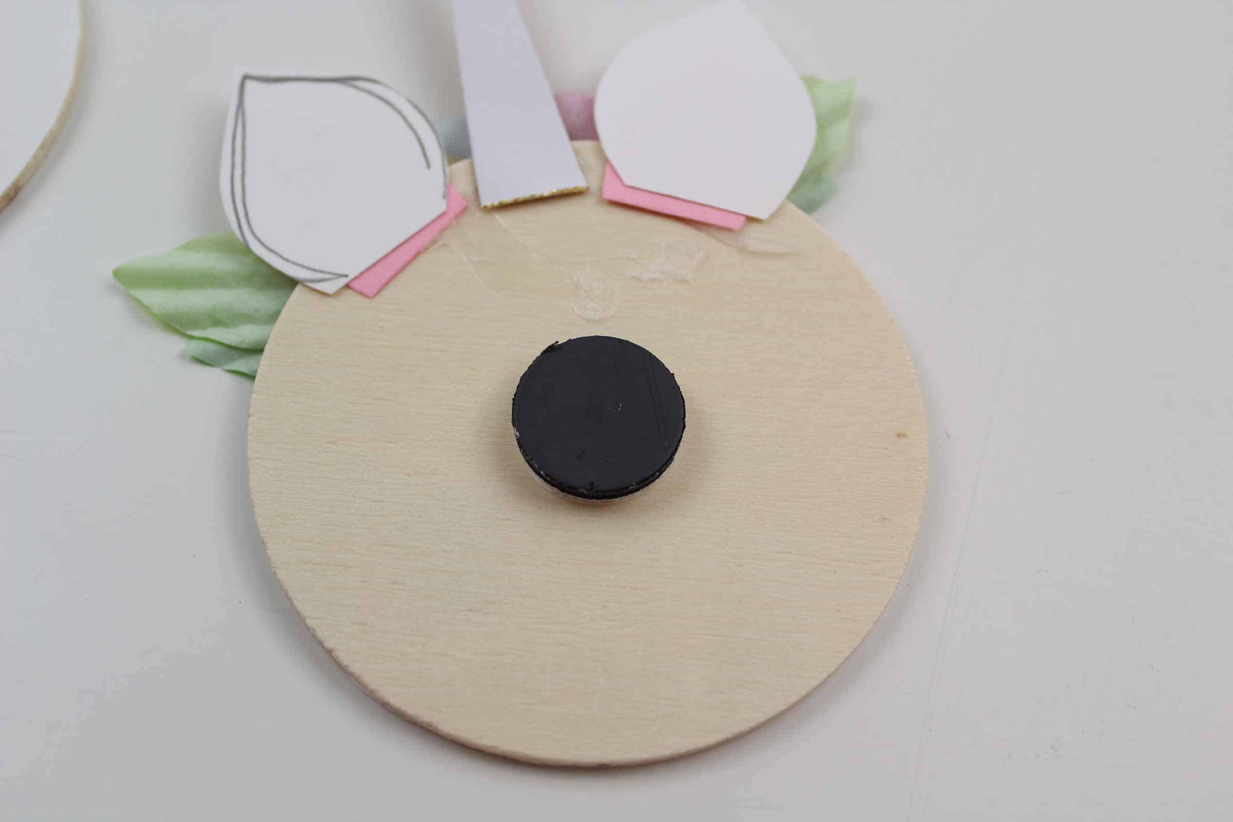gluing magnet to unicorn craft