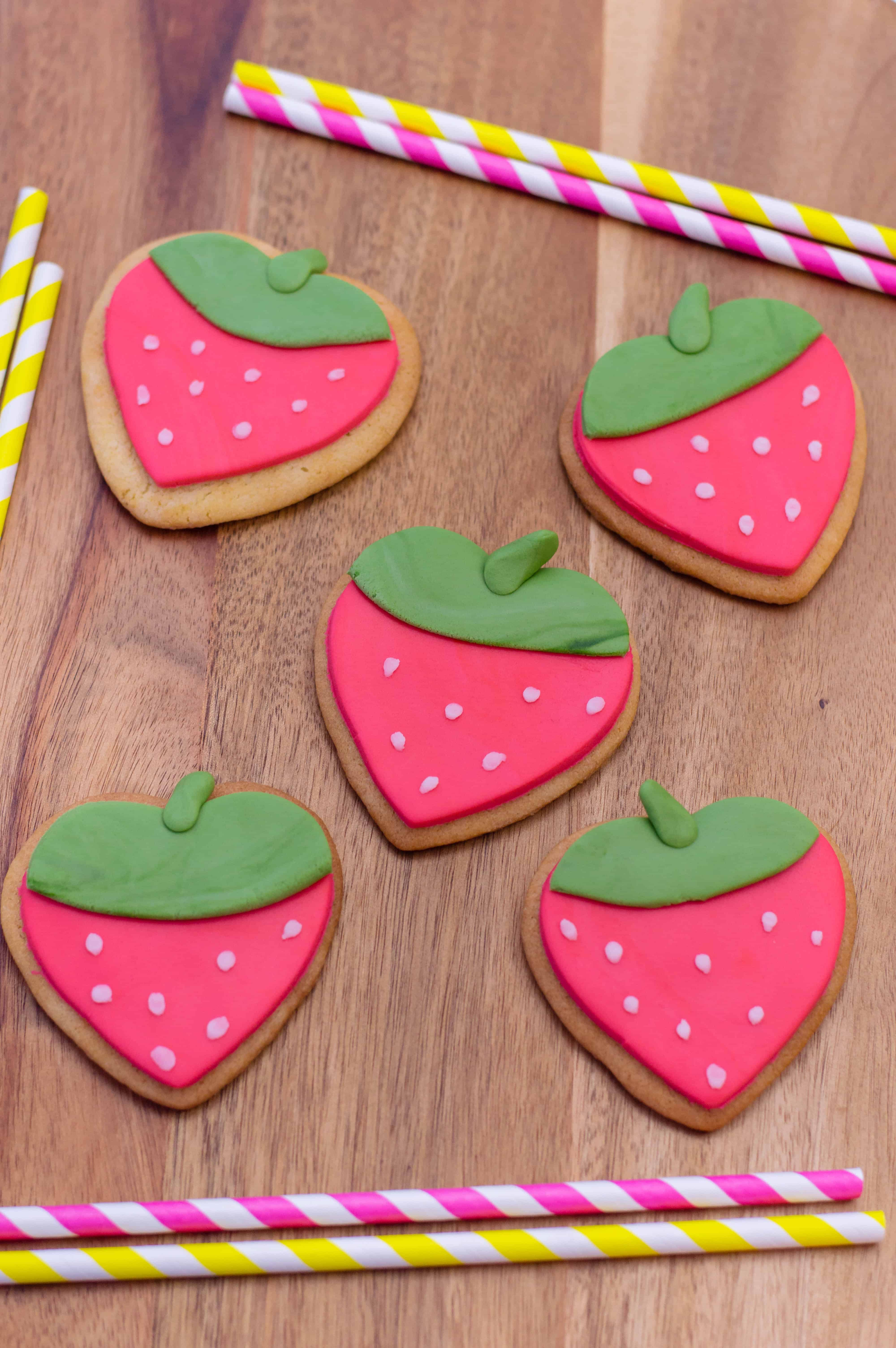 strawberry shaped cookies