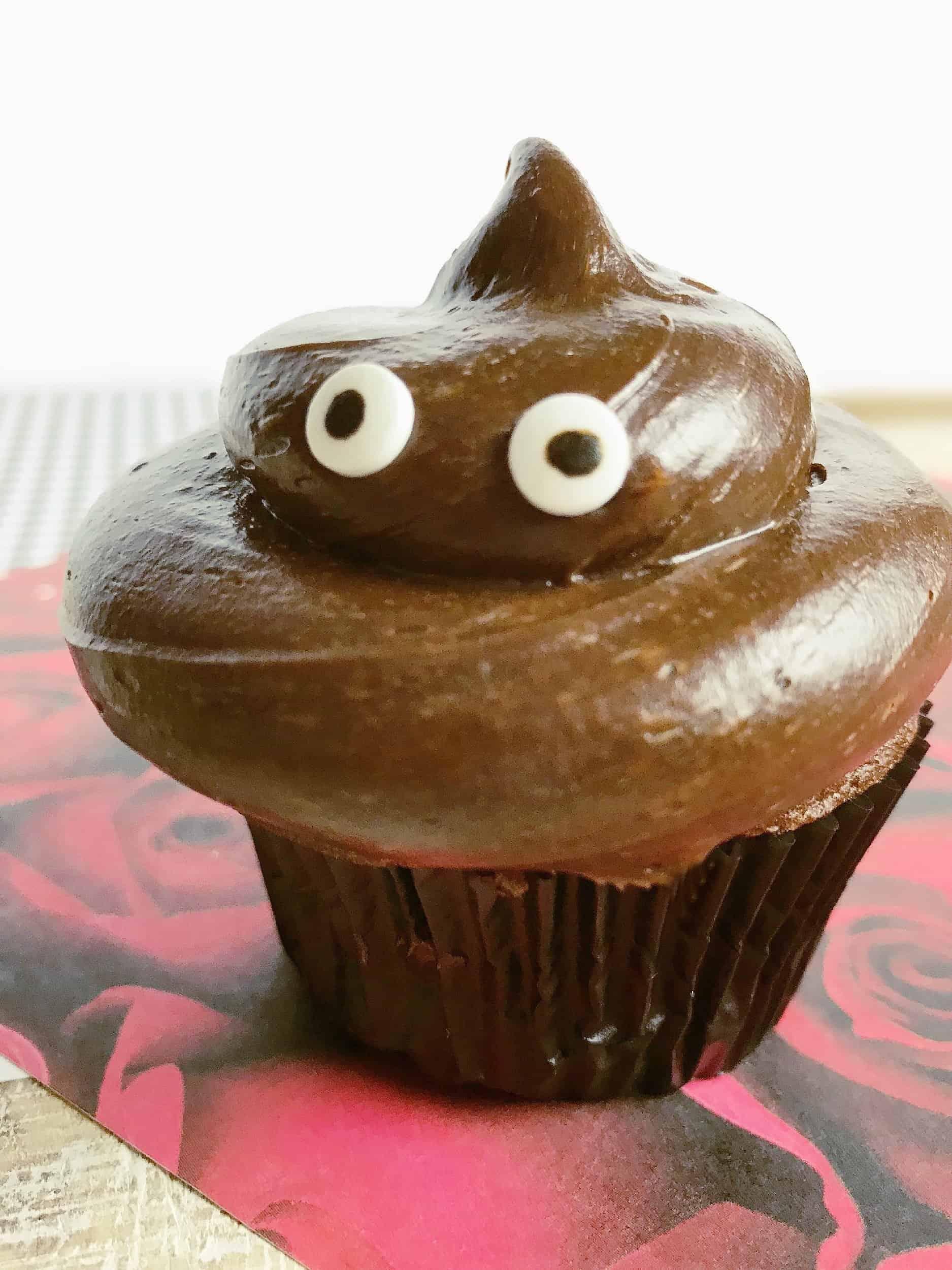 valentines day poop emoji cupcake