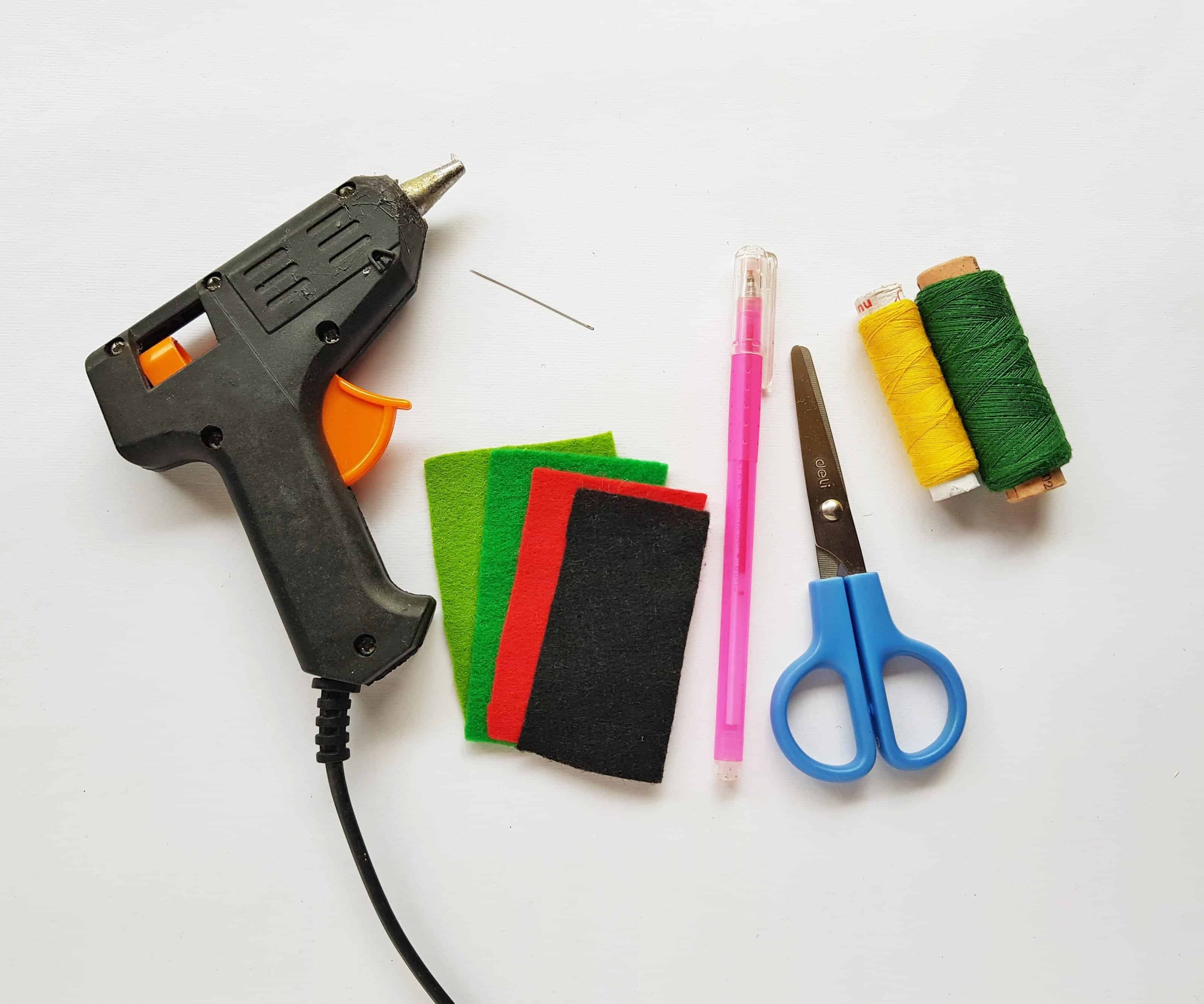poppy craft supplies to make a pencil topper from felt