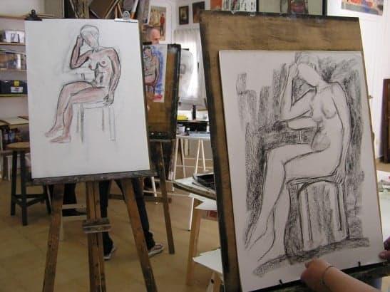 Dibujo de FIGURA HUMANA con modelo en el Taller de 4 Pintors