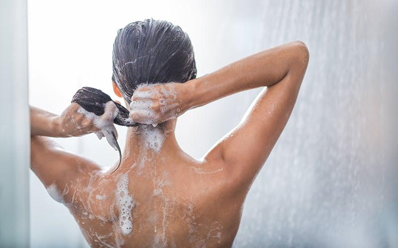Le shampooing au pH neutre pour des soins capillaires doux