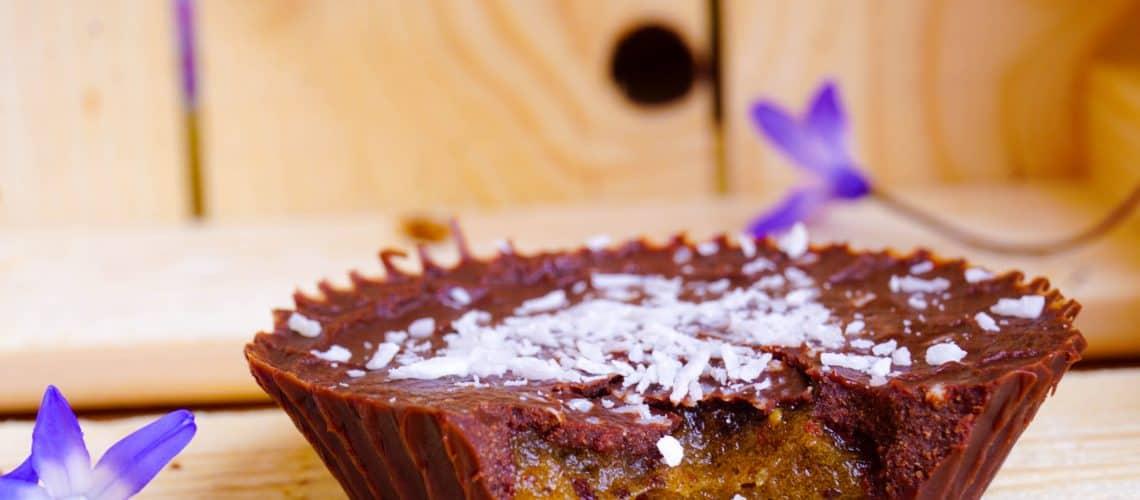 Raw choklad med karamellfyllning – chocolate caramel cups (no bake, raw)