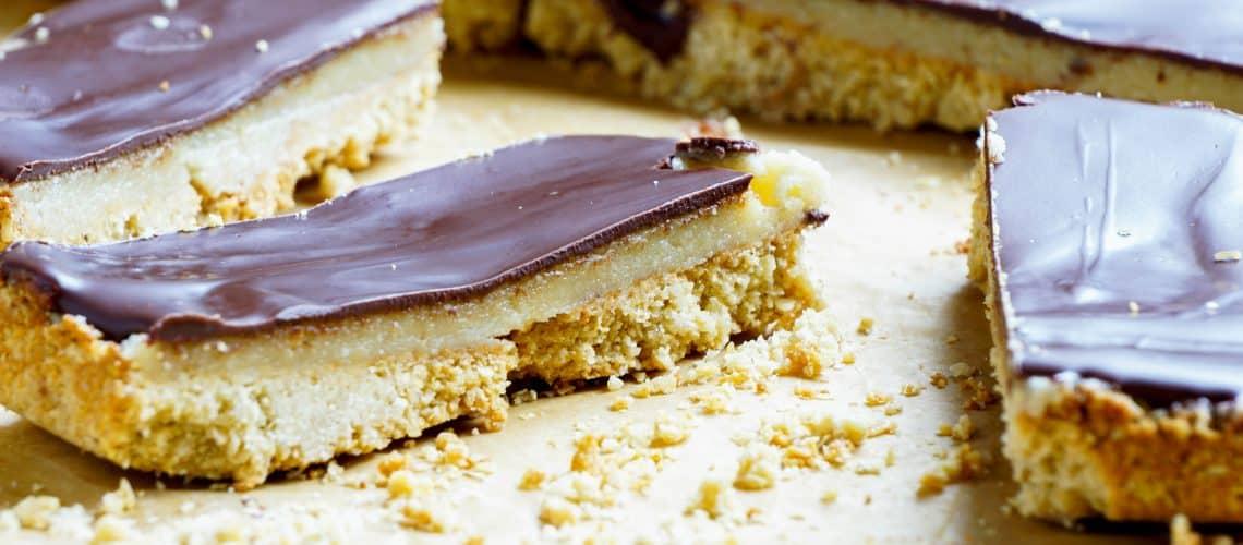 Twix (vegansk) – knaprigt och krämigt med chokladtopping