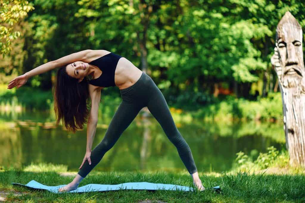 Posture de yoga Utthita Trikonasana