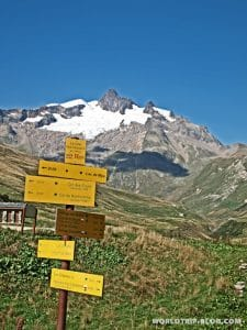 signs Tour du Mont Blanc