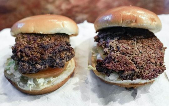 Taste alone won't persuade Americans to swap out beef for plant-basedburgers