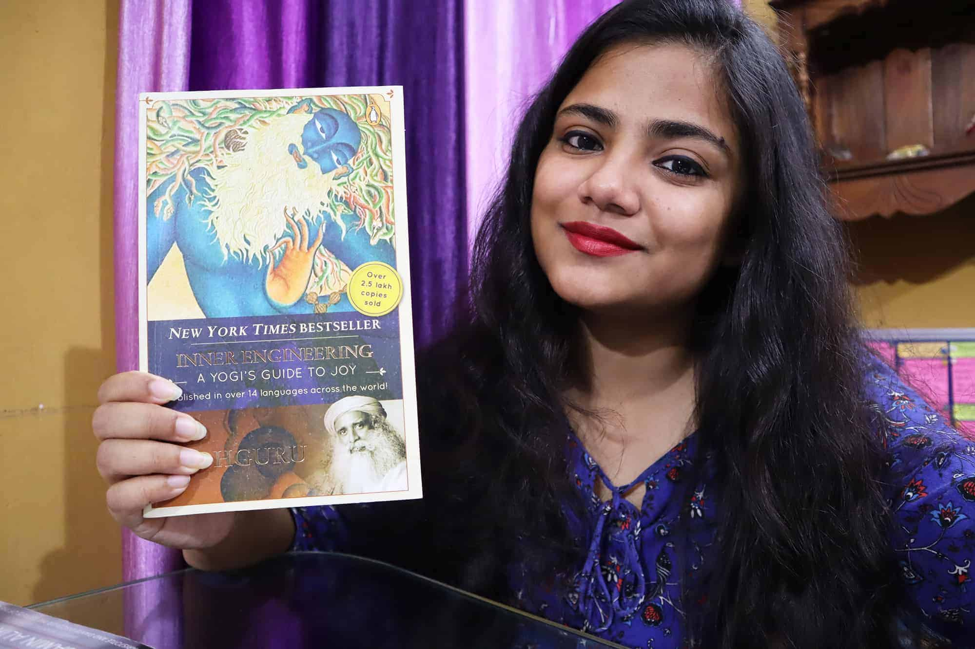 Inner Engineering A Yogis Guide To Joy By Sadhguru Review Rating Summary Author