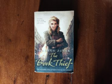 The Book Thief By Markus Zusak Review Ratting Summary Author