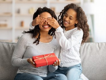 Best Books To Gift Your Mom Mum - Happy Mothers Day