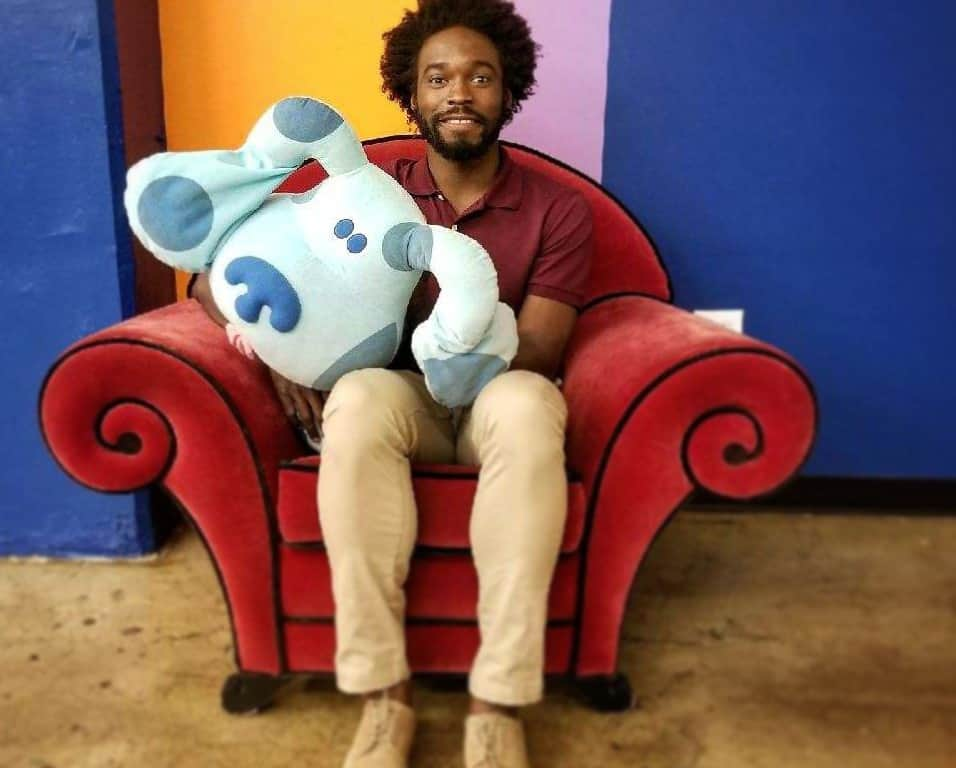 """VIDEO: This Bushwick Comedian Is Trying to Become the New Steve on """"Blues Clues"""""""