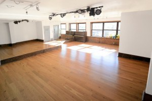 I Took My First Naked Yoga Class in Bushwick: One Man's Story
