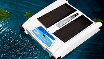 8 Best Solar Pool Skimmers | Let Robotic Pool Skimmer Clean Your Pool