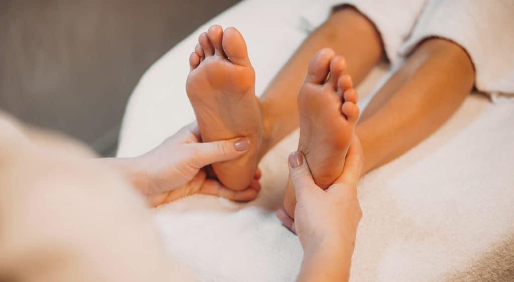 Zones réflexes en réflexologie de l'intérieur du pied