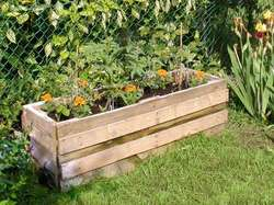 planter-made-from-pallets.jpg