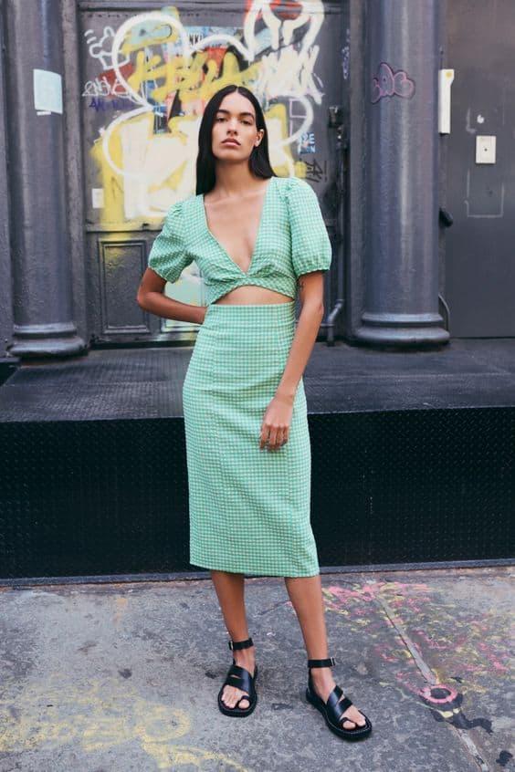 GINGHAM CHECK CUT-OUT DRESS Zara