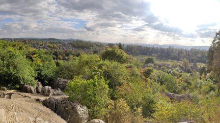 Yunnan Kunming El Bosque de Piedra Caliza de Shilin scaled - Qué ver en Kunming: Guía Completa de Viaje