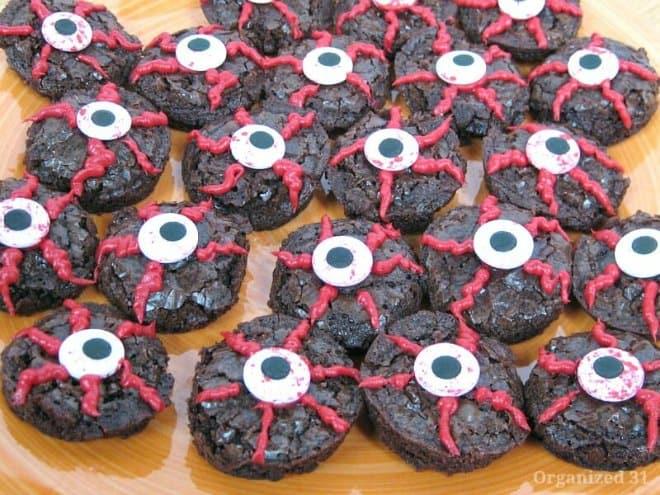 Halloween Brownie Eyeballs