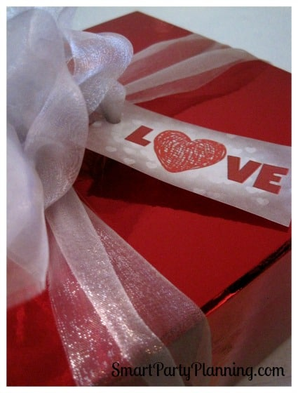 Download your FREE Valentines day gift tags as the perfect finishing touch to your gift wrapping. Easy to use and they look fantastic.