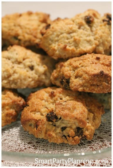 "Bake some mouth watering rock cakes recipe that the entire family will love.  Made with only a few ingredients, they can be made in literally minutes.  This is the kind of recipe that that you can enjoy baking with the kids, but the whole family will devour.  Someone popping over for last minute afternoon tea and you have nothing to offer them?  Problem solved!  This should become your ""go to"" afternoon treat."